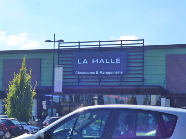 on wholesale newest collection reasonably priced Boutique La Halle aux chaussures : Centre Family Village ...